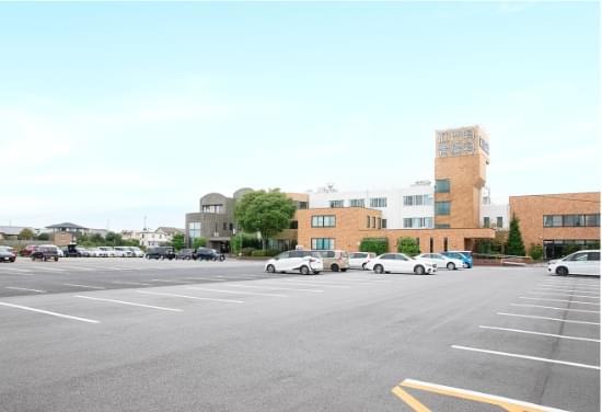 無料駐車場150台完備