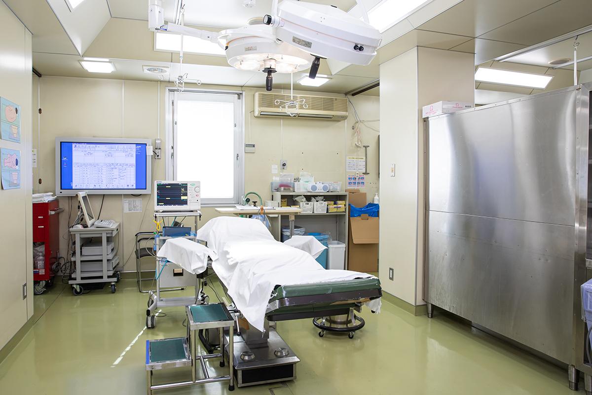 手術(裂肛根治術、肛門狭窄形成術、側方内括約筋切開術)